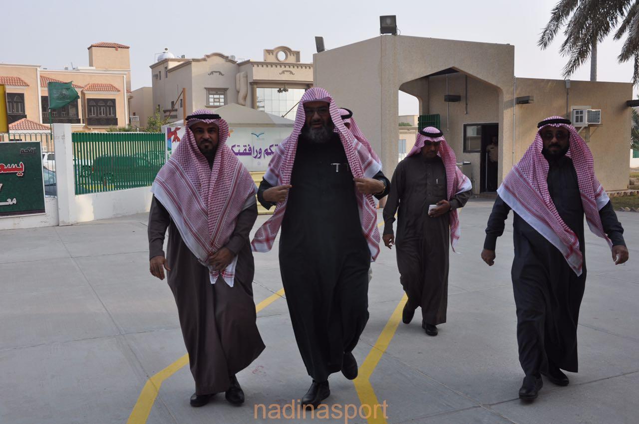 """مدير عام التعليم """"بالغنيم"""" في رحاب مدرسة مكة"""