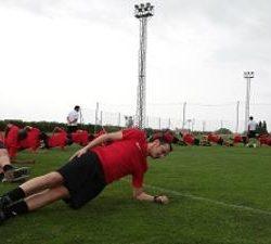منتخبنا الشاب يواصل تدريباته في معسكره بالطائف
