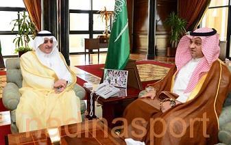 عادل عزت يشيد بجهود الأمير فهد بن سلطان