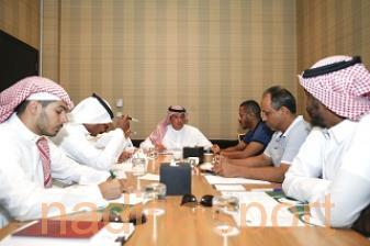 آل الشيخ يناقش مدراء المنتخبات السنية المعسكرات