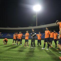 رئيس هيئة الرياضة يهنئ الهلال بمناسبة تأهله إلى نهائي آسيا ويكافئ لاعبيه
