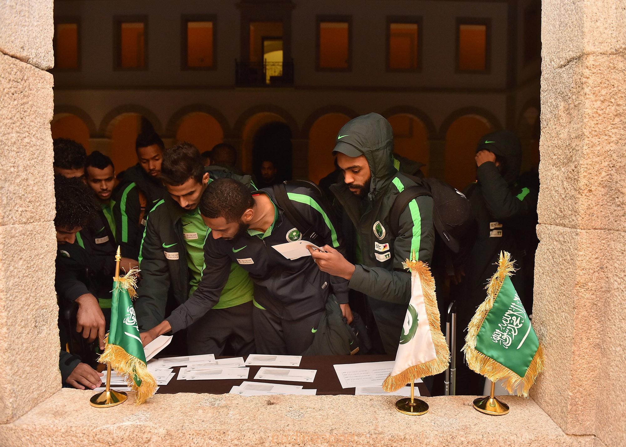بعثة الأخضر تصل إلى مدينة فيسيو البرتغالية استعدادا لمواجهة البرتغال وديًا