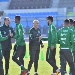 المنتخب السعودي الأول لكرة القدم يواصل تحضيراته لكأس الخليج