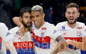 الدوري الفرنسي لكرة القدم : ليون يفوز على أميان بصعوبة