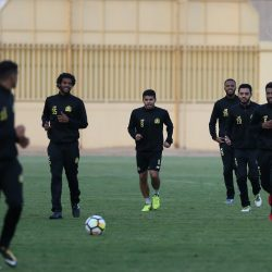 الشباب يعاود تدريباته بعد راحة يومين .. والصليهم يعاني من إصابة بوتر القدم