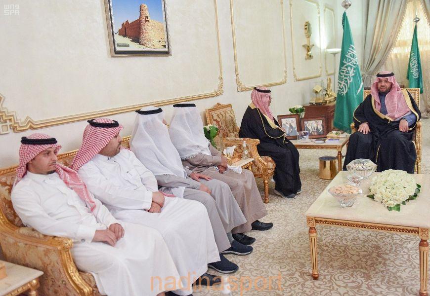 أمير منطقة الحدود الشمالية يستقبل رئيس وأعضاء مجلس إدارة نادي عرعر