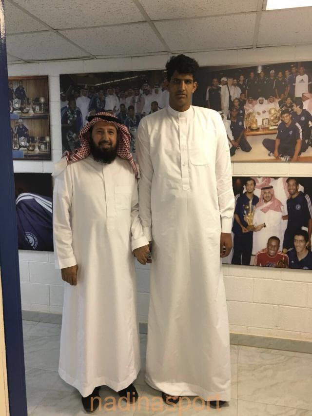 عبدالعزيز الرشيدي ينضم لشباب سلة الهلال