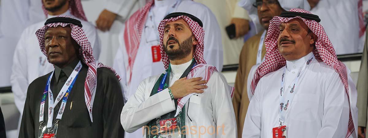 الأمير عبدالعزيز بن تركي الفيصل يهنئ بعثة الأخضر بالفوز على كوريا الشمالية