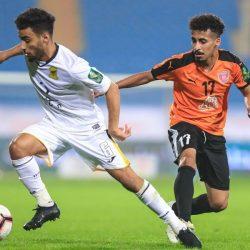 كأس خادم الحرمين الشريفين لكرة القدم : الهلال يتأهل إلى ربع النهائي