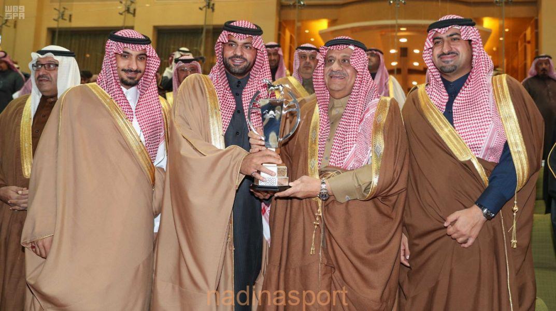 الجواد طلاب الخالدية يتوج بكأس الأمير سلطان بن عبدالعزيز العالمي لسباقات السرعة للخيل العربية الاصيلة