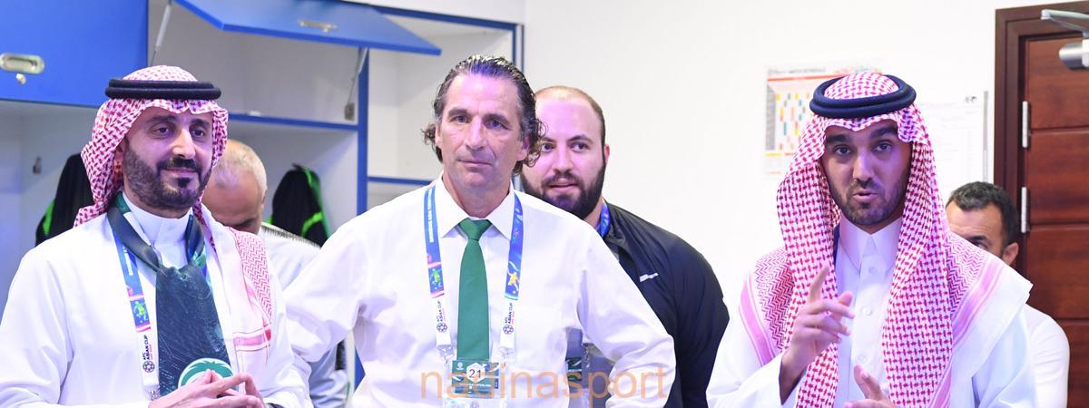 رئيس الاتحاد السعودي يشيد بروح وأداء لاعبي الأخضر