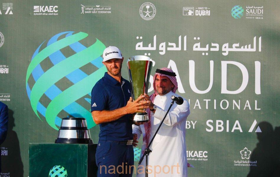 الأمريكي داستن جونسون يتوج ببطولة السعودية الدولية لمحترفي الجولف