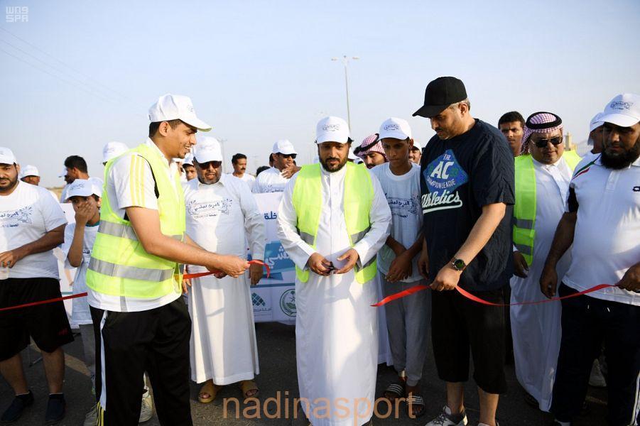 محافظ الدرب يشارك في مبادرة الدرب تمشي