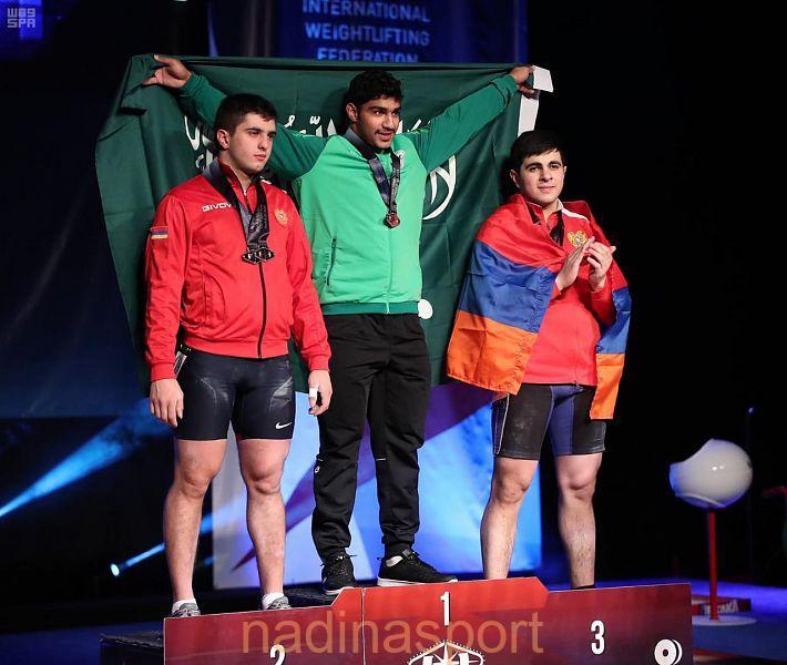 الرباع علي العثمان يحقق ذهبية رفع الاثقال في بطولة العالم