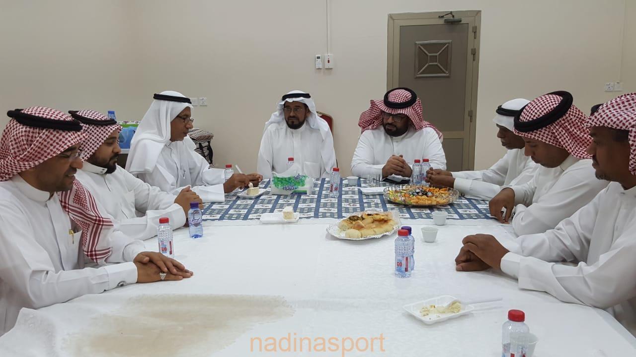 اللجنة الاهلية بالطرف تقيم حفل معايدة عيد الفطر السعيد
