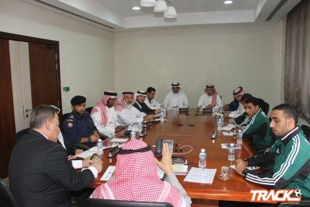 اللجنة الفنية تعقد اجتماع تنسيقي لمباراة الشعلة والمحرق