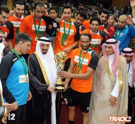 نائب أمير المنطقة الشرقية يتوج فريق النور ببطولة الأمير فيصل بن فهد العربية الثلاثين لكرة اليد