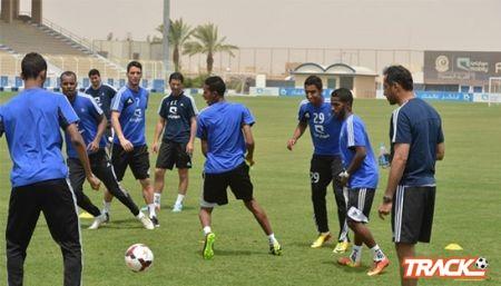 الهلال يواصل تدريباته بمشاركة البرازيلي تياجو نيفيز .. وخروج عبدالله الزوري مصاباً