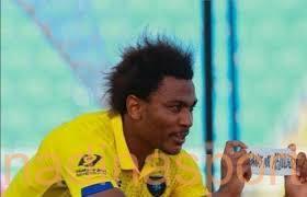 تاوامبا يلمح إلى عودته للتعاون