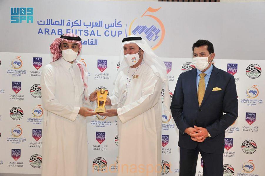 سمو وزير الرياضة يشهد مباراة المنتخب السعودي في بطولة كأس العرب لكرة الصالات بالقاهرة